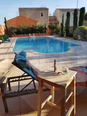 Saint Martin de Crau Villa T7 avec piscine