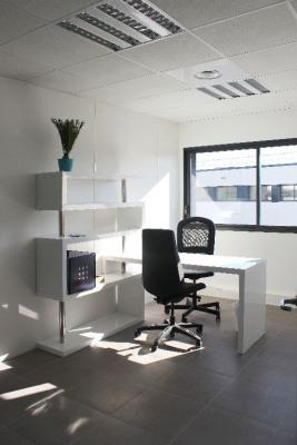 Bureaux neufs et meublés de 15 m² à Eguilles