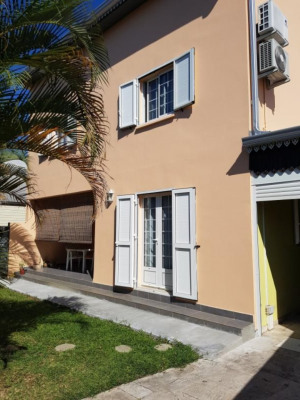 Villa F4 à 260 000 eur