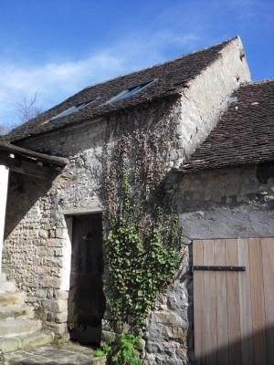 Maison de ville en pierre à aménager avec garage
