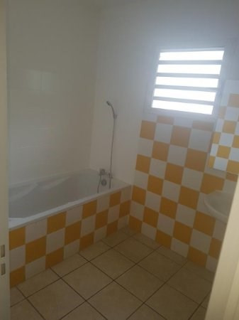 Location maison / villa Bois de nefles st paul 1 270€ CC - Photo 8