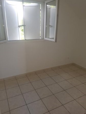 Location maison / villa Bois de nefles st paul 1 270€ CC - Photo 10