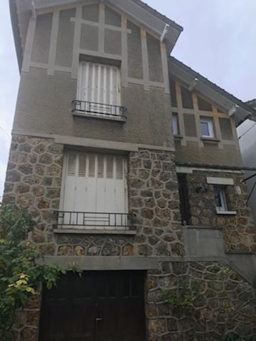 Rental house / villa Carrieres sur seine 1600€ CC - Picture 1