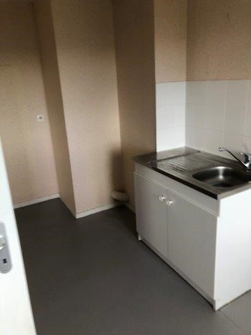 Location appartement Saint-christo-en-jarez 450€ CC - Photo 2