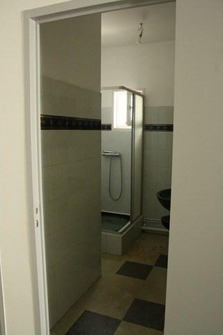 Verhuren  appartement Saint-genest-lerpt 385€ CC - Foto 4