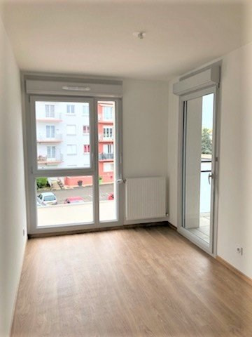 Rental apartment Meyzieu 715€ CC - Picture 6