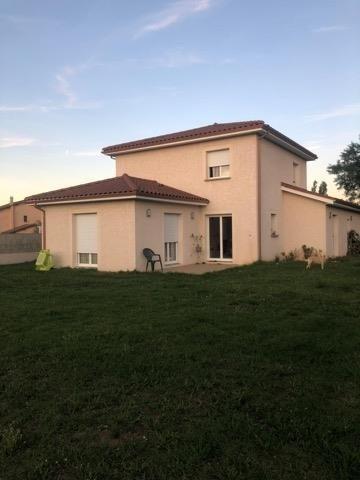 Rental house / villa Le peage de roussillon 927€ CC - Picture 2