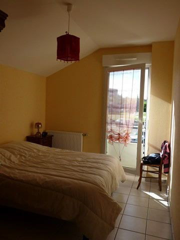 Location maison / villa Roche-la-moliere 937€ CC - Photo 3