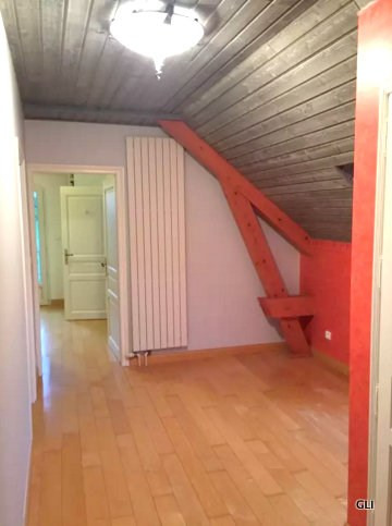 Location maison / villa Beynost 1 950€ CC - Photo 9