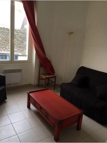 Locação apartamento Houdan 450€ CC - Fotografia 1