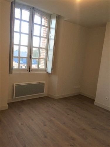 Rental apartment Abondant 340€ CC - Picture 1