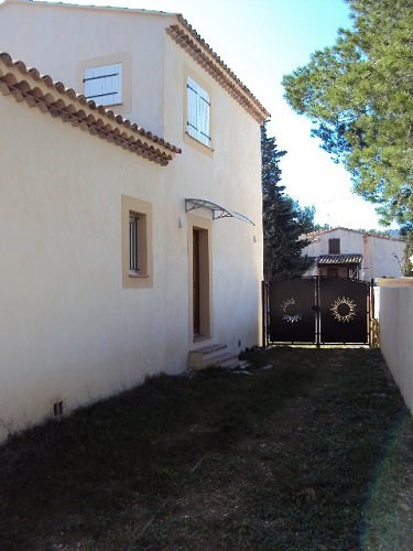 Location maison / villa Chateauneuf 1 298€ CC - Photo 2