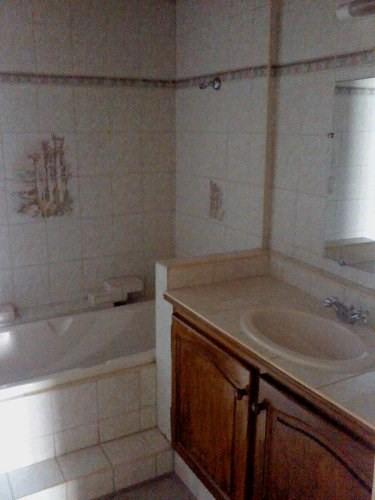 Rental apartment St mitre les remparts 630€ CC - Picture 2