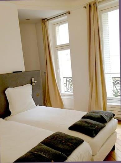 Rental apartment Paris 17ème 4000€ CC - Picture 3