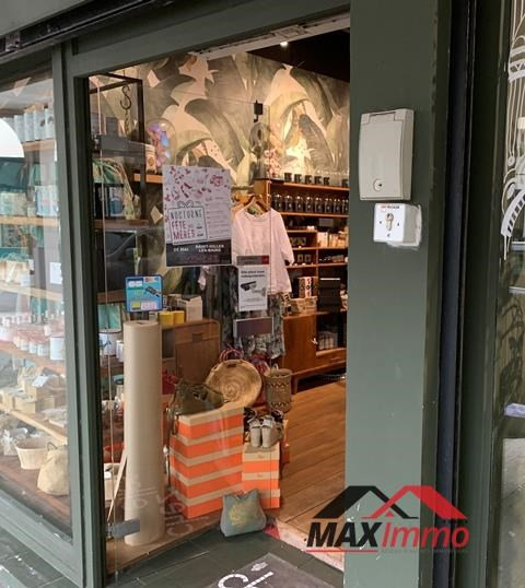 Vente fonds de commerce boutique Saint gilles 158000€ - Photo 2