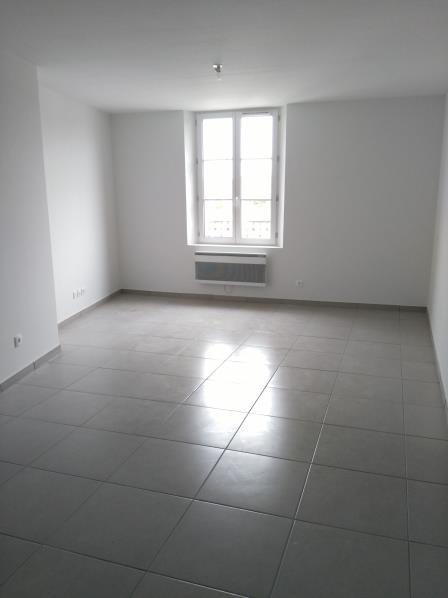 Rental apartment Henonville 830€ CC - Picture 2
