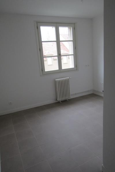 Location appartement Osny 570€ CC - Photo 3