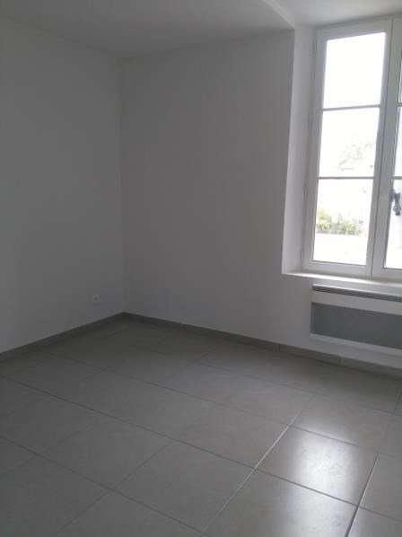 Location appartement Henonville 800€ CC - Photo 3