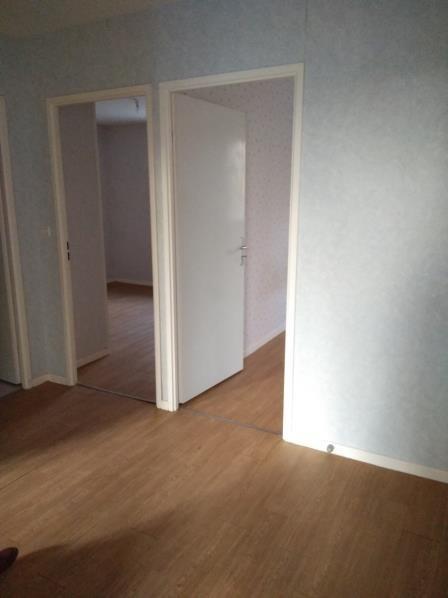 Location maison / villa St ouen 740€ CC - Photo 12