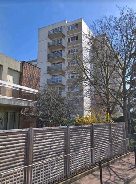 Rental apartment Chatou 1009€ CC - Picture 1