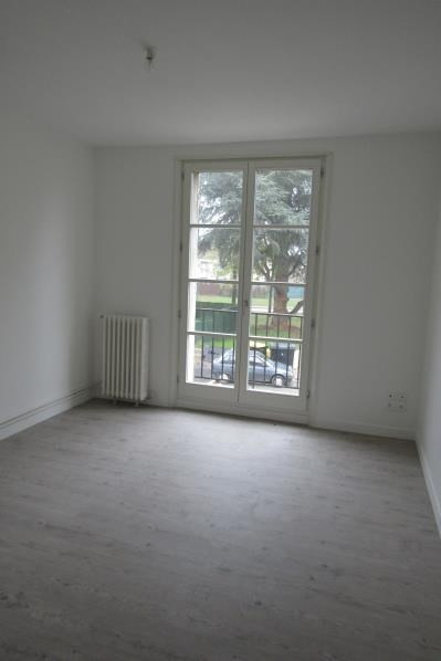 Location appartement Osny 550€ CC - Photo 1