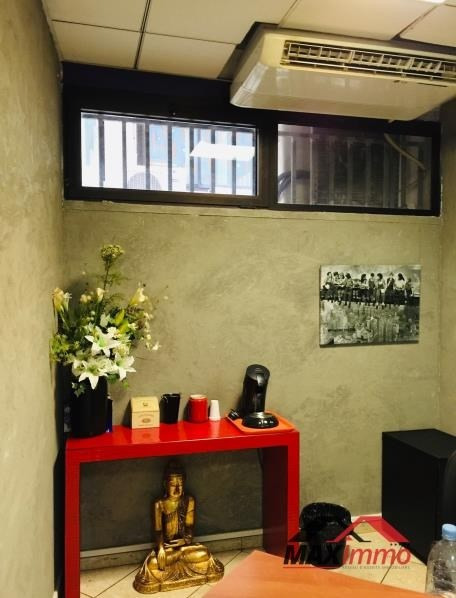 Location local commercial St denis 1644€ HT/HC - Photo 4