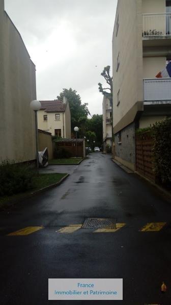 Rental parking spaces Maisons-laffitte 76€ CC - Picture 4