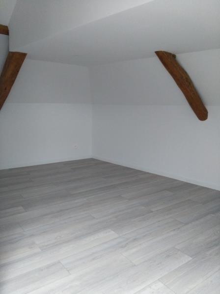 Rental apartment Henonville 830€ CC - Picture 3