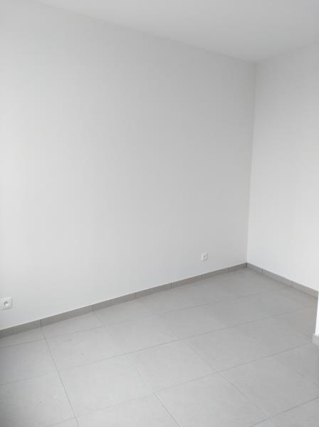 Location appartement Henonville 650€ CC - Photo 4