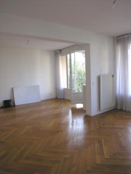 Rental apartment Ste foy les lyon 1135€ CC - Picture 2