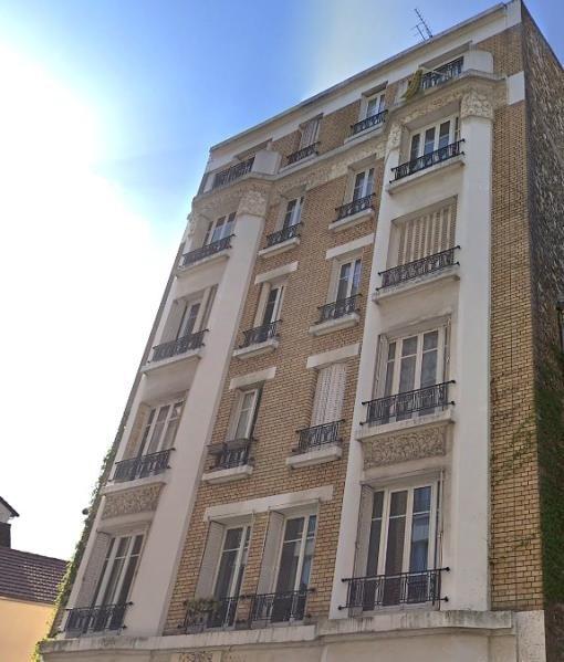 Location appartement Courbevoie 895€ CC - Photo 1