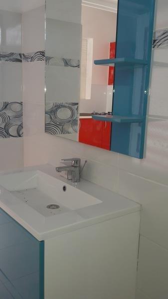 Rental house / villa Le moule 850€ CC - Picture 4