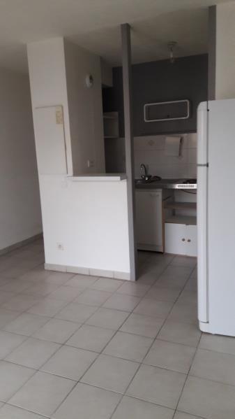 Location appartement Buxerolles 390€ CC - Photo 1