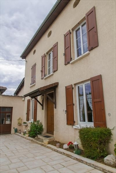 Sale house / villa St clair du rhone 285 000€ - Picture 1