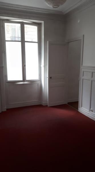 Rental apartment Paris 14ème 2 200€ CC - Picture 2