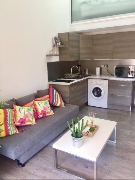 Rental apartment Sanary sur mer 700€ CC - Picture 1