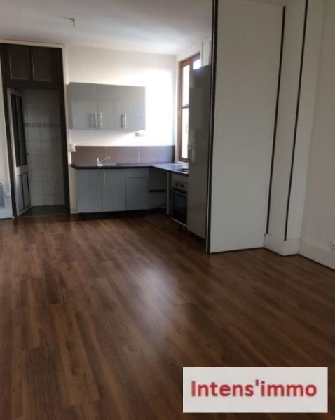 Rental apartment Romans sur isere 450€ CC - Picture 1
