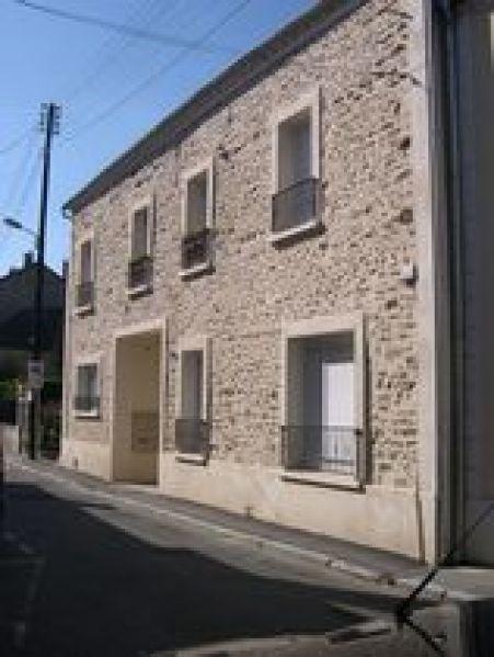 Rental apartment Ballancourt sur essonne 774€ CC - Picture 1