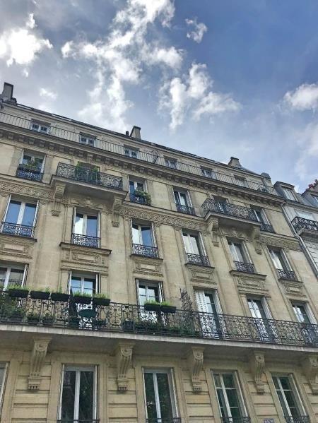 Vente de prestige appartement Paris 10ème 1280000€ - Photo 2