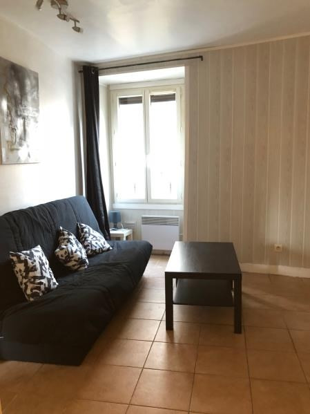 Rental apartment Mareil marly 550€ CC - Picture 1