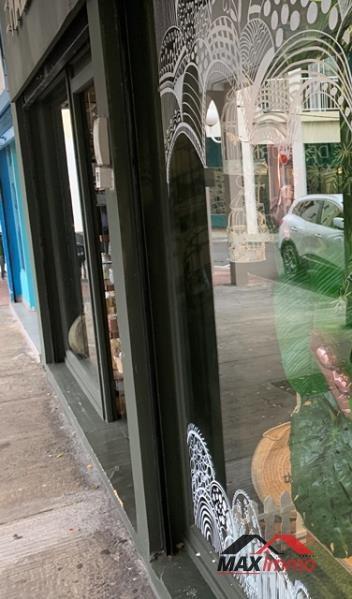 Vente fonds de commerce boutique Saint gilles 158000€ - Photo 3