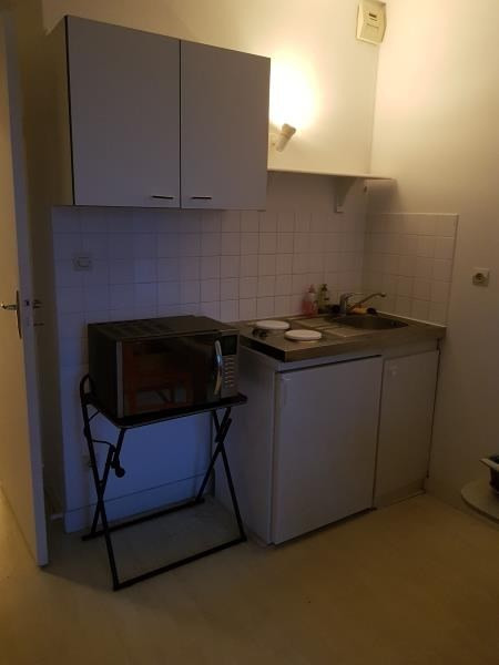 Location appartement Poitiers 323€ CC - Photo 3