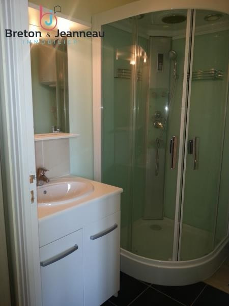 Location appartement Laval 346€ CC - Photo 3