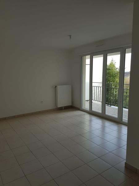 Location appartement St leu la foret 931€ CC - Photo 1