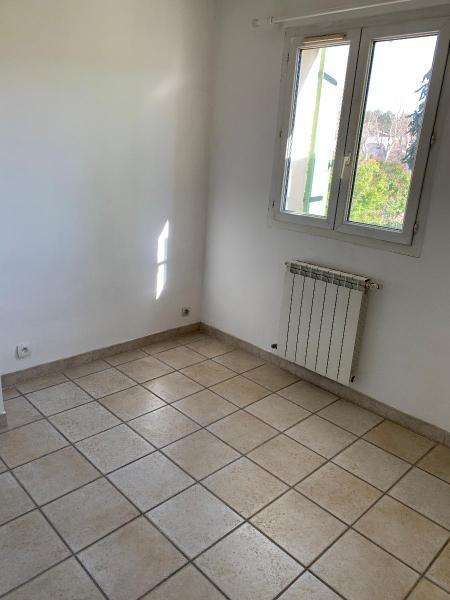Location maison / villa Les milles 1175€ CC - Photo 8