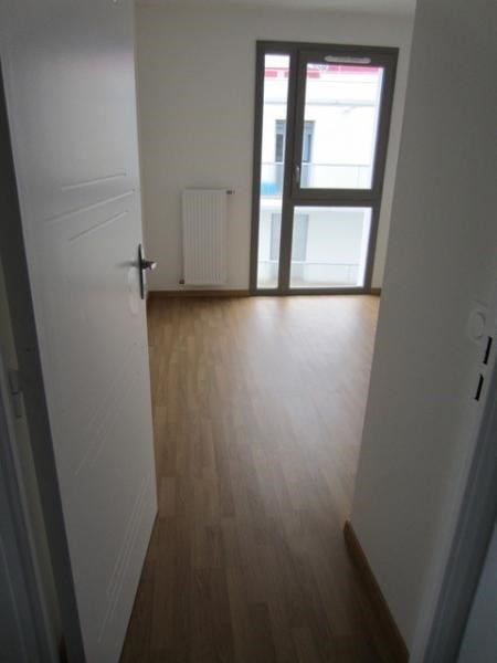 Rental apartment St etienne 633€ CC - Picture 3