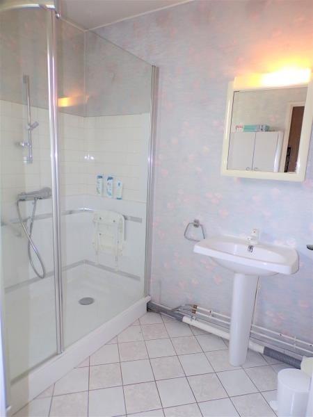 Sale house / villa Montigny le bretonneux 435750€ - Picture 7