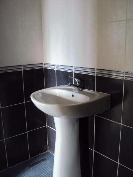 Rental apartment Lyon 8ème 795€ CC - Picture 4