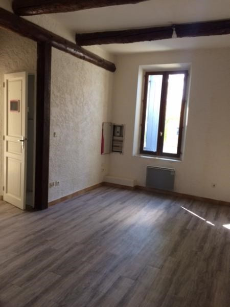 Rental apartment Fuveau 650€ CC - Picture 4