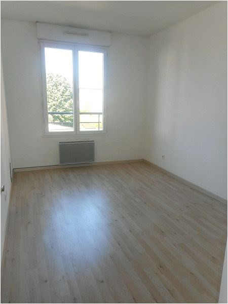 Rental apartment Viry-chatillon 959€ CC - Picture 3